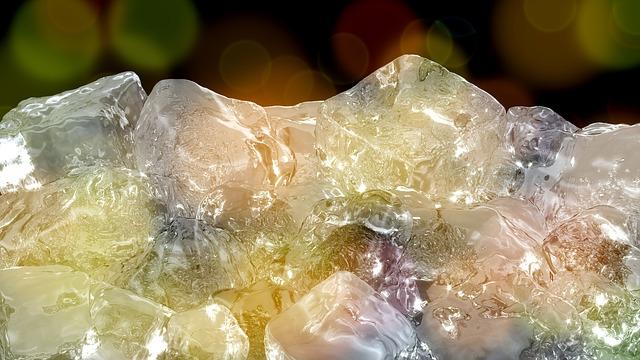 ice-cubes-1144199_640